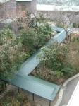 久徴会館への屋根つき通路(上より)