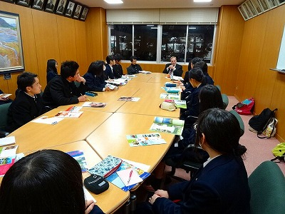 Ambassador of Slovak Republic came to Izumo High School